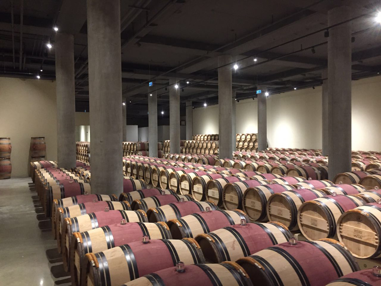humidification in wine barrel room